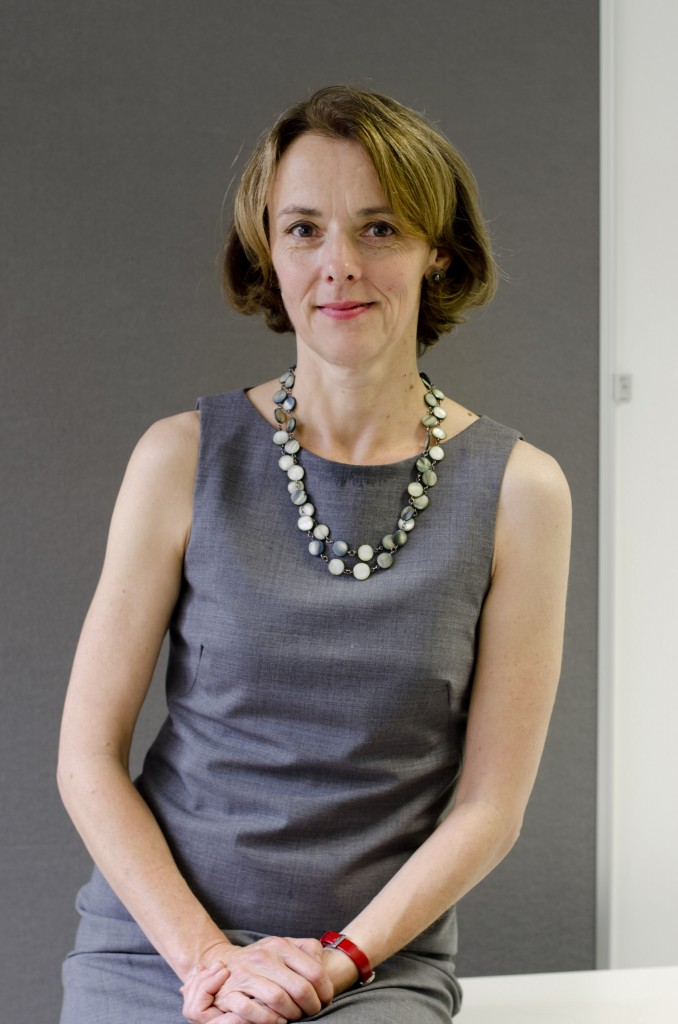 A genial colunista do Financial Times, Lucy Kellaway, dedicada especialmente a escrever sobre temas de gestão no trabalho.