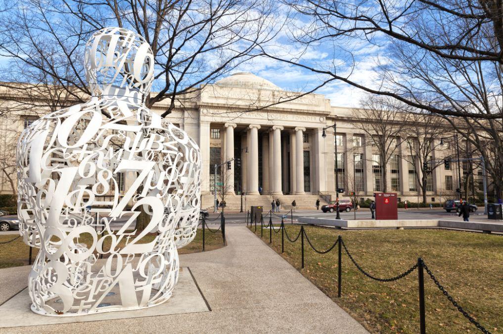 Um aspecto do MIT, cujos alunos têm aberto empresas muito criativas.