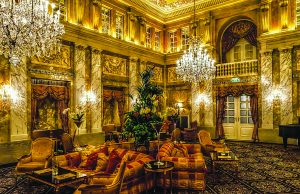 O incrível interior do hotel Imperial Viena