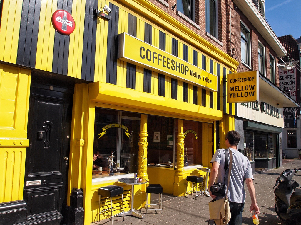 Mellow-Yellow-coffee-shop